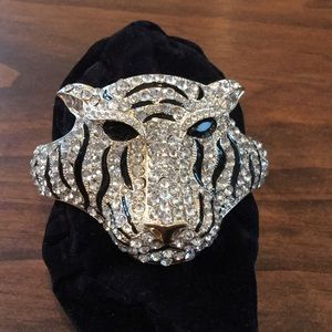 Natasha rhinestone tiger bracelet